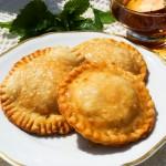 Sebadas sind frittierte Ricottaplätzchen aus Sardinien
